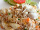 ข้อมูลโภชนาการ ใน ข้าวผัดปูใส่ไข่ 1 จาน ให้พลังงานทั้งสิ้น เท่ากับ