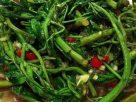 ข้อมูลโภชนาการ ใน ผัดผักกระเฉดน้ำมันหอย 1 จาน ให้พลังงานทั้งสิ้น เท่ากับ