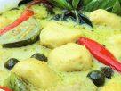 ข้อมูลโภชนาการ ใน แกงเขียวหวานลูกชิ้นปลากราย 1 ถ้วย ให้พลังงานทั้งสิ้น เท่ากับ